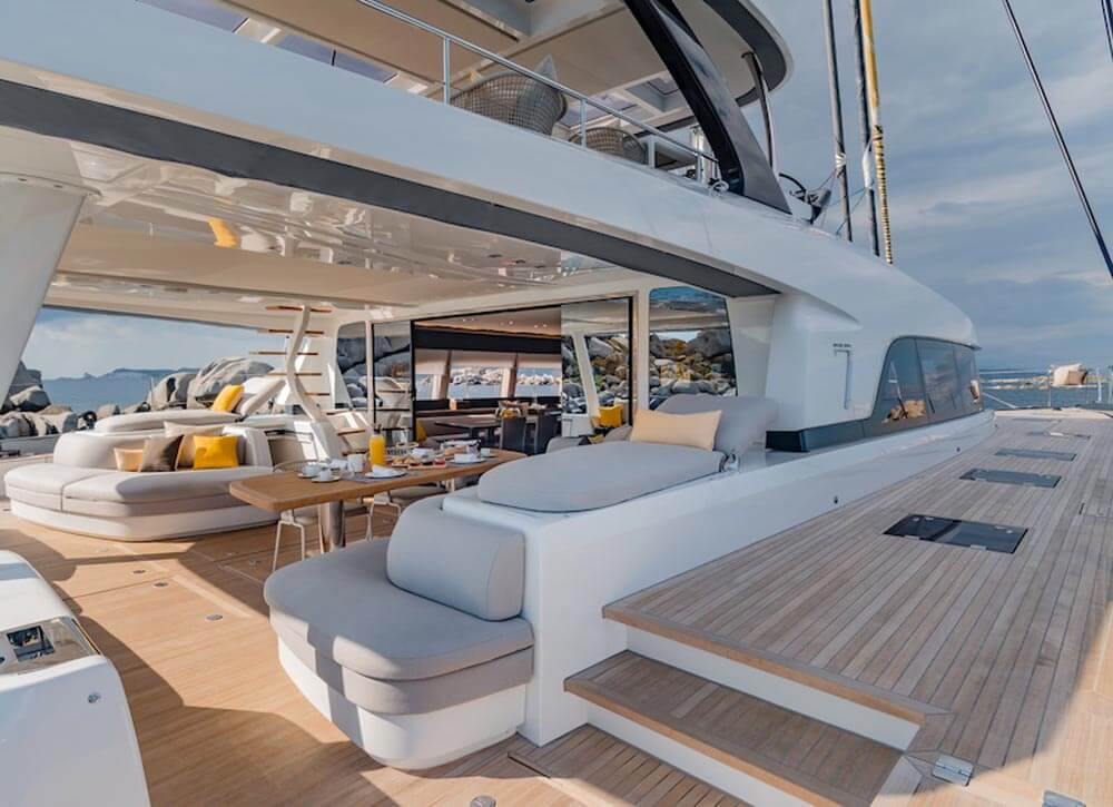 Pozzetto catamarano