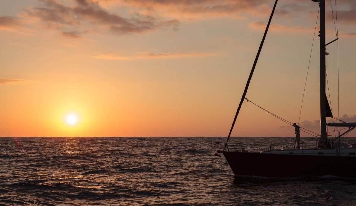 Il tramonto in rada