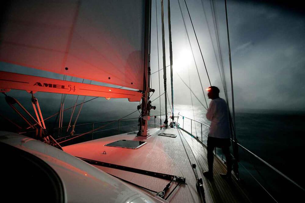 Torcia barca di notte