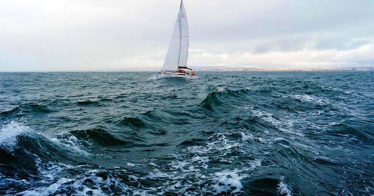 Navigazione con mare mosso